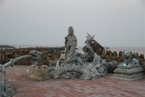 Những ngôi chùa linh thiêng nhất tại Hải Phòng - 6