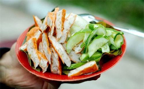 Những món ăn vặt nóng hổi 10.000 đồng ở Hà Nội 2
